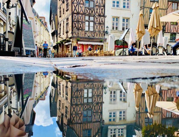 Place Plumereau en reflet