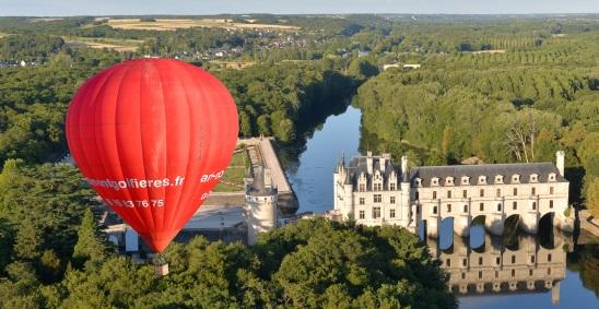Montgolfière vue sur le château de Chenonceau