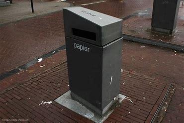 Poubelle papier article écologie